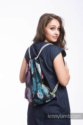 Sackpack made of wrap fabric (100% cotton) - PAINTED FEATHERS RAINBOW DARK - standard size 32cmx43cm